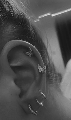 See more of hannewhouse's content on VSCO. Pretty Ear Piercings, Ear Peircings, Unique Piercings, Multiple Ear Piercings, Different Ear Piercings, Types Of Piercings, Bijoux Piercing Septum, Piercing Tattoo, Cartilage Piercings