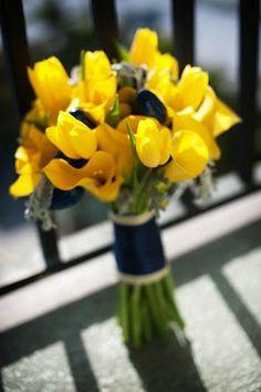 navy yellow bouquet