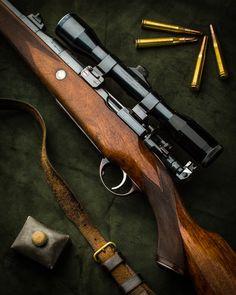 A Vintage Holland & Holland Super Magazine Rifle Weapons Guns, Guns And Ammo, Scout Rifle, Guns Dont Kill People, Big Boyz, Bolt Action Rifle, Gun Cases, Hunting Rifles, Firearms