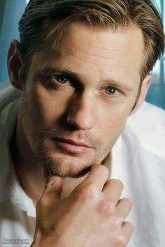 Alexander Skarsgard is Beautiful Eric Zimmerman, Gorgeous Men, Beautiful People, Simply Beautiful, Pretty People, Alex The Great, Alexander Skarsgard True Blood, Skarsgard Family, Skarsgard Brothers