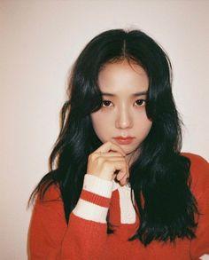 Kpop Girl Groups, Korean Girl Groups, Kpop Girls, Lisa Black Pink, Black Pink Kpop, Yg Entertainment, Kim Jisoo Blackpink, Blackpink Members, How To Style Bangs