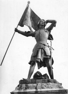 Jeanne d'Arc d'Etienne Leroux. Compiègne