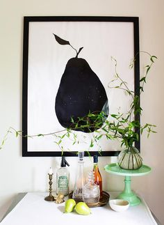 No need to break the bank to buy a large frame with this #diy project for a large-scale picture frame at Design*Sponge