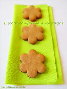 biscotti con farina di castagne Biscotti Cookies, Italian Cookies, Cookie Recipes, Homemade, Baking, Eat, Desserts, Food, Wafer Cookies