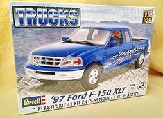 FORD F-150 XLT 1997 TRUCK MODEL KIT REVELL 85-7215 1:25 NEW 2011 PLASTIC SEALED #Revell