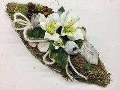 Memorial Flowers, Cemetery Flowers, Flower Studio, Grapevine Wreath, Grape Vines, Table Decorations, Christmas, Home Decor, Flower Arrangements