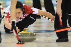 L'équipe féminine de Curling du Canada, en route vers une victoire de 8-5 contre la Suisse.