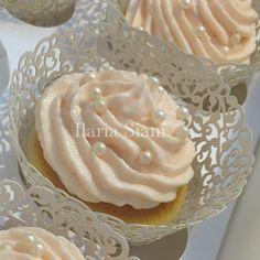 Wedding cupcakes sui toni del cipria 👰🏻💍🎩 #instafood #ilas #ilassweetness #wedding #cupcakes #robertatorresan  www.ilas.webnode.it www.facebook.com/ilascake