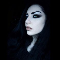 Baph o witch 💀 ( Pure Beauty, Beauty Art, Gothic Beauty, Beauty Tips, Goth Makeup, Dark Makeup, Makeup Inspo, Beauty Life Hacks Videos, Goth Model