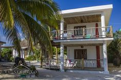El Secreto Xpuha Upstairs Xpu Ha El Secreto Xpuha Upstairs offers accommodation in Xpu Ha. The property boasts views of the sea is 26 km from Playa del Carmen. Free WiFi is provided .  A toaster and a fridge can be found in the kitchenette.