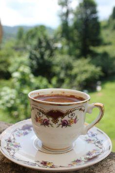 Enjoying coffee in the village . Spiced Coffee, Espresso Coffee, Coffee Cafe, Black Coffee, Best Coffee, Good Morning Breakfast, Morning Coffee, Magic Herbs, Food Wallpaper