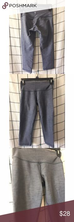 LULULEMON // Wunder Under Crop Leggings Lululemon grey cropped leggings size 2. Has small orange stain in front (can possible get out I haven't tried) and some piling as well. lululemon athletica Pants Leggings