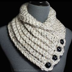 Ravelry: Bulky Tweed Cowl pattern by Carla Malcomb