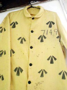 australian convict uniform - Google Search Historical Clothing, Historical Photos, Australian Costume, Van Diemen's Land, Fancy Dress, Dress Up, First Fleet, Gold Coast Australia, New Zealand