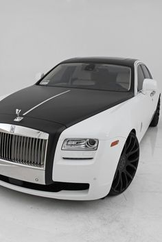 every high roller needs one of these - Rolls Royce Phantom