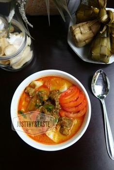 Indonesian Cuisine, Indonesian Recipes, Laksa, Asian Recipes, Ethnic Recipes, Daily Meals, Thai Red Curry, Food And Drink, Menu
