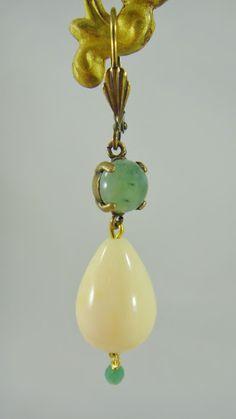 Alexandra Forga: Pendiente de resina color verde,turquesa o coral r...