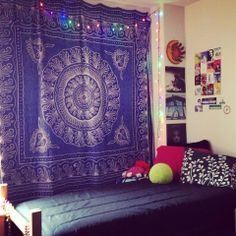 Beautiful My Dorm Room This Year. Not A Lot You Can Do With White Washed Walls Part 8