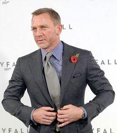 Daniel Craig is selling his limited-edition Aston Martin - Business Insider Rachel Weisz, Fall Fashion Trends, Autumn Fashion, Daniel Graig, Industry Models, Daniel Craig James Bond, Costume Noir, Best Bond, Hipster