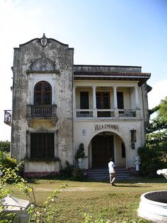 Villa Efipania, Sta. Rita, Pampanga Philippines by franz1286, via Flickr