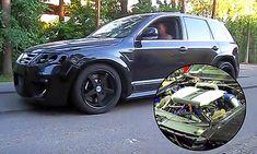 Als eines der wenigen SUV überhaupt, gab es den VW Touareg der ersten Generation mit dickem Sechsliter-W12 unter der Haube. 450 PS machen eine Menge Dampf, haben aber auch großen Durst. In Russland, wo Touareg W12, Auto News, Racing, Running, Auto Racing