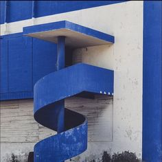 One of the most beautiful things I have ever seen  #agadir #morocco #igersmorocco #brutalistarchitecture #brutal_architecture #brutalist #brutalism #betonbrut #concrete #moderndesign #design #deepblue #modernist #modernistarchitecture #architecture #architecture_hunter #archilovers #archidaily #architizer #building_shotz #spiralstaircase #worldneedsmorespiralstaircases #staircase #mindtheminimal #minimalarchitecture #minimalobsession #sosbrutalism by gregorzoyzoyla