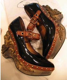 Miu MIu F/W 2007 Roccoco patent wedge heels