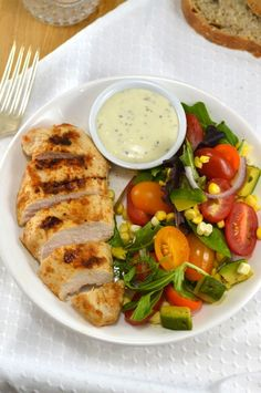 Spicy Chicken with Avocado-Tomato Salad and Creamy Basil Lime Dressing - super healthy and super quick!