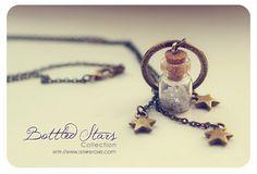Stars Tiny Bottle necklace. CUSTOM Glitter STARS COLOR. Glass bottle pendant. Cute Necklace. Bronze necklace. miniature bottle