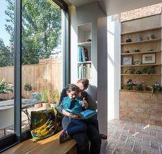 Gallery of Gallery House / Neil Dusheiko Architects - 17 Window Seat Storage, Window Seats, Window Seat Kitchen, Glass Bookcase, Wall Bookshelves, Tile Countertops, Brick Flooring, Loft Room, Glass Extension