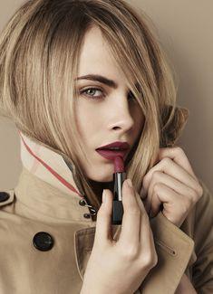 Burberry Beauty - Lip Velvet - Cara Delevingne