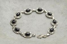 Armbånd i sølv med svart stein Silver Jewelry, Ring, Bracelets, Wristlets, Rings, Silver Jewellery, Jewelry Rings, Bracelet, Arm Bracelets
