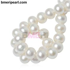 chunky pearl necklace with ribbonIt is the utmost desire of women all over the world to have the most beautiful, classy and exclusive jewellery in her collection. Due to its high demand jewellery making has been one of the most profitable and thumping businesses of the world.visit: www.bmeripearl.com