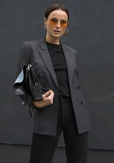 Best How To Wear Black Blazer Casual Jeans 46 Ideas Black Blazer Casual, Black Jeans Outfit, Black Skinnies, Casual Jeans, Blazer Jeans, Trendy Clothes For Women, Trendy Outfits, Cool Outfits, Fashion Outfits