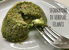 sformatini di verdure filanti Great Recipes, Vegan Recipes, Guacamole, Buffet, Food And Drink, Veggies, Potatoes, Chicken, Health