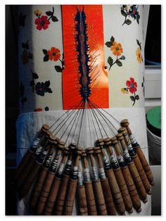 lacemaking by Rosa Torres S, on flickr