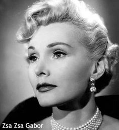 Quotes by the famous Hungarian-American actress Zsa Zsa Gabor Old Hollywood Glamour, Vintage Hollywood, Classic Hollywood, Vintage Glamour, Hollywood Stars, Vintage Beauty, Eva Gabor, Magda Gabor, Hollywood Actresses