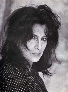 The muse of Tennessee - Anna Magnani possesses a remarkably expressive face, and for American audiences, at least, she represents what Hollywood had consistently failed to produce: reality. Hollywood Stars, Old Hollywood, Anna Magnani, Pier Paolo Pasolini, Le Talent, Films Cinema, Italian Women, Italian People, Italian Actress