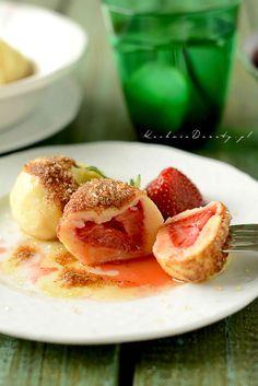 Knedle z truskawkami – pyszne i łatwe, idealne na letni obiad