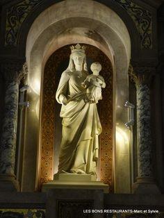 Tours(37)-Basilique Saint-Martin-Autel de la Vierge!