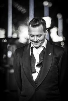 Johnny Depp on Murder On the Orient Express prèmiere Johnny Depp Fans, Here's Johnny, Johnny Depp Movies, The Hollywood Vampires, Hollywood Actor, Marlon Brando, Johnny Depp Pictures, Gellert Grindelwald, Johny Depp