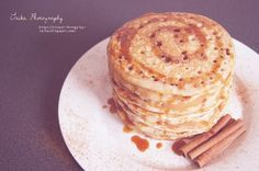 Ein Rezept für Pfannkuchen mit Zimt und Karamellsauce