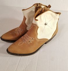 99b83326e2c5 American Rag Women Sz 7M Shoe Randey Booties Pull On Ankle Boot Star Brown  Ivory