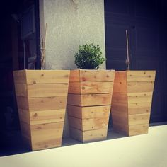 tapered cedar planter boxes for http://www.bowerpowerblog.com/2015/04/20-tall-planters/