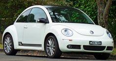 2008_Volkswagen_New_Beetle_(9C_MY08)_Anniversary_Edition_coupe_(2011-03-10)_01.jpg (3720×1974)