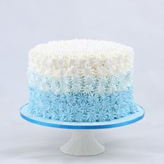 Boys blue smash cake