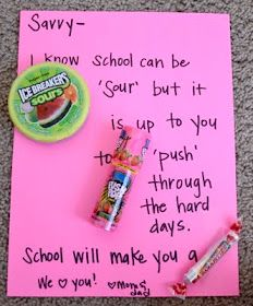 school encouragement candy notes via organic families. This would be fun for the kids though right now they love school. this is for all my dh girls :) we always need helpful reminders School Notes, School Days, Back To School, School Stuff, School Lunches, Future School, School Treats, School School, School Gifts