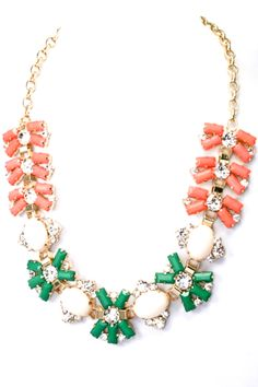 Gorgeous statement necklace from #paizlee