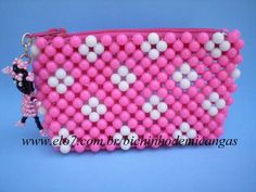 Beaded Boxes, Beaded Purses, Pony Bead Patterns, Beading Patterns, Childrens Purses, Diy Bracelets With String, Pearl Crafts, Beaded Animals, Bead Jewellery