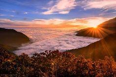 «Закат над океаном облаков». Гималаи, Непал